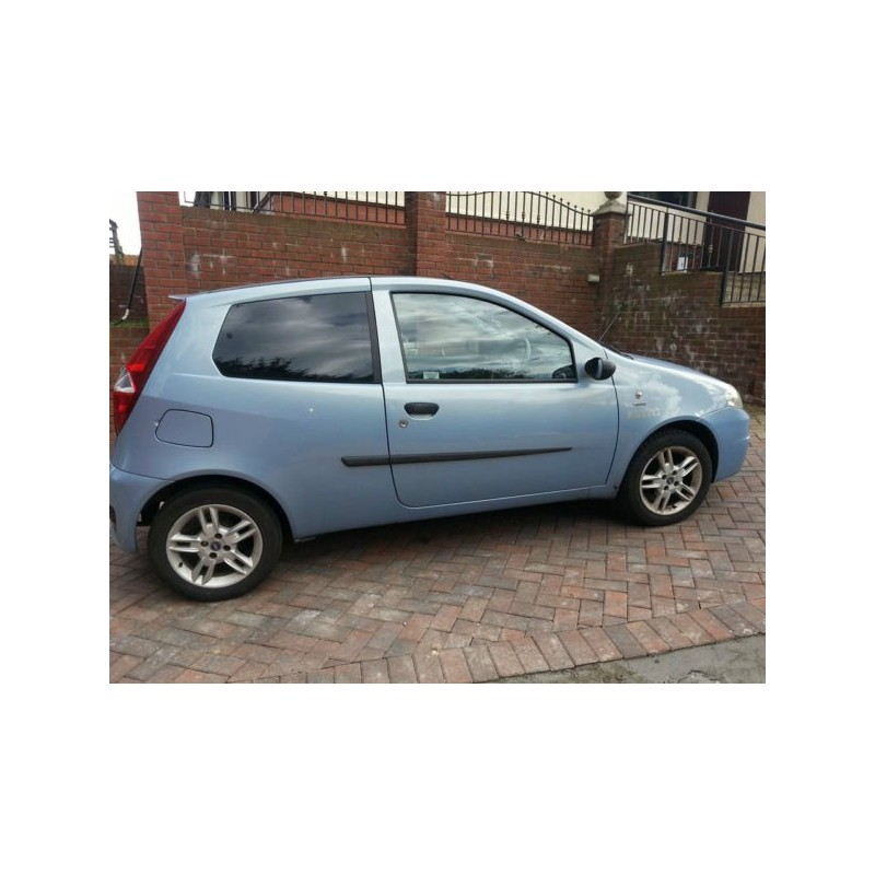 fiat punto 3 door hatchback 2000 to 2005 pre cut window tint kit. Black Bedroom Furniture Sets. Home Design Ideas